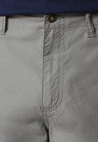 Napapijri - NOTO - Shorts - medium grey solid - 5