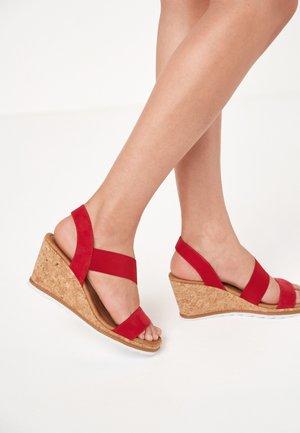 Sandaletter med kilklack - red