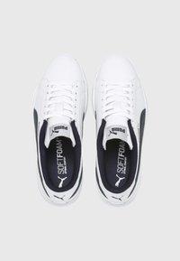 Puma - SMASH  - Trainers -  white/ponderosa pine - 1