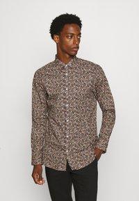 Selected Homme - SLHREGPEN-HUNTER SHIRT  - Overhemd - black - 0