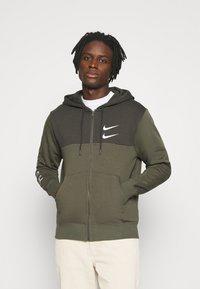 Nike Sportswear - HOODIE - Mikina na zip - twilight marsh/white - 0