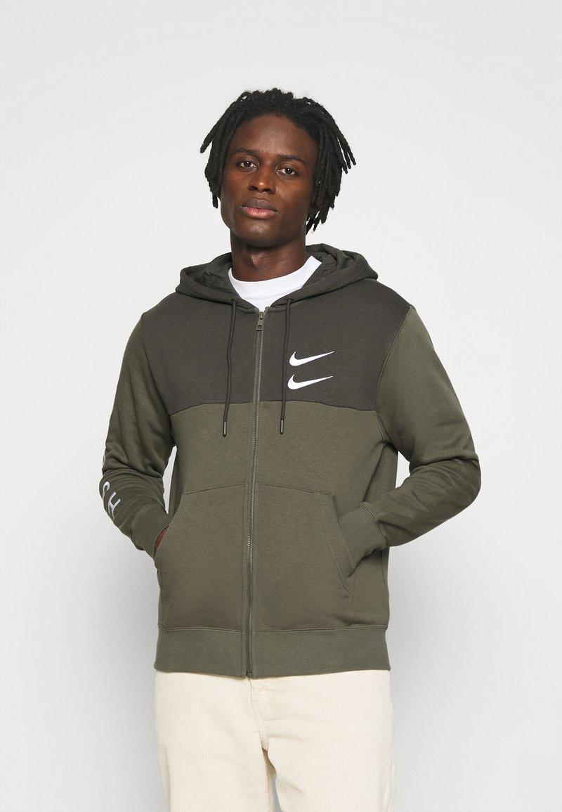 Nike Sportswear - HOODIE - Mikina na zip - twilight marsh/white