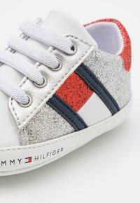 Tommy Hilfiger - First shoes - white/multicolor - 5