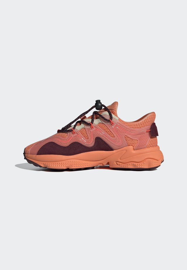OZWEEGO PLUS - Sneakers laag - orange