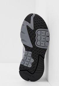 adidas Originals - NITE JOGGER  - Sneakers - grey three/footwear white - 5