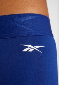 Reebok - WORKOUT READY COMMERCIAL TIGHTS - Leggings - cobalt - 5