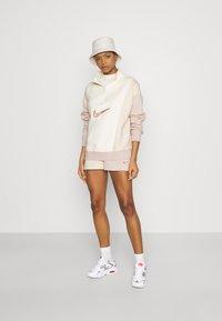 Nike Sportswear - Sweatshirt - coconut milk - 1
