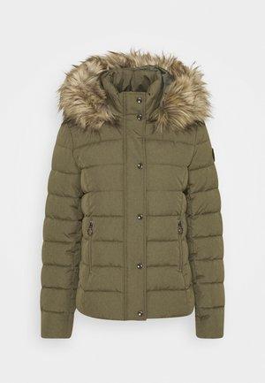 Zimní bunda - deep lichen green