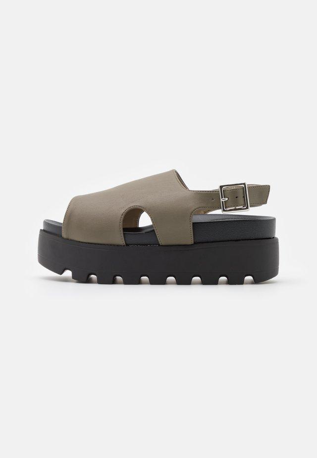 DANA - Sandales à plateforme - khaki