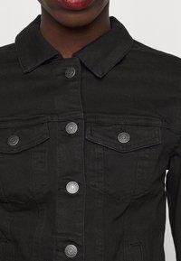 Vero Moda Tall - VMHOT SOYA JACKET - Denim jacket - black - 5