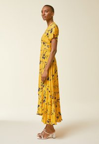 IVY & OAK - Vestido largo - sun yellow - 1