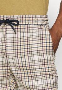 Only & Sons - ONSLINUS CHECK SHORTSDT  - Shorts - chinchilla - 4