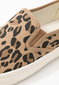 Rubi Shoes by Cotton On - VEGAN HARPER  - Slip-ons - brown - 2