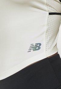 New Balance - SPEED FUEL FASHION TANK - Sports shirt - seasalt - 6