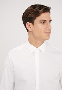 Esprit Collection - SLIM FIT - Formal shirt - white - 4
