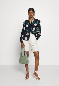 Vero Moda Petite - VMBETTY BUTTON - Button-down blouse - navy blazer - 1