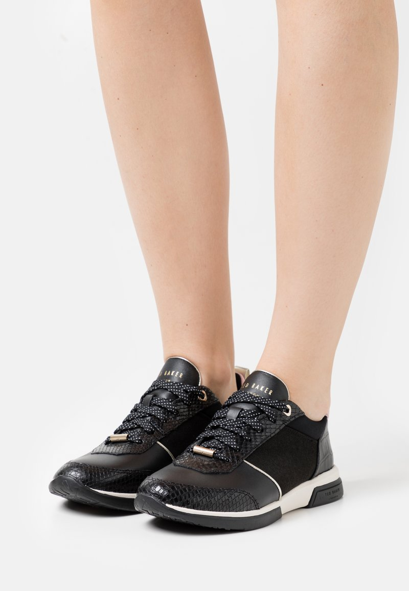 Ted Baker - CAYAA - Trainers - black