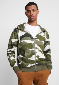 Nike Sportswear - CLUB HOODIE - Hettejakke - medium olive/summit white - 0