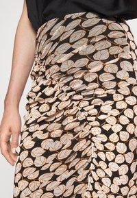 Diane von Furstenberg - CHRISTY SKIRT - Pencil skirt - leaf twig medium black - 6