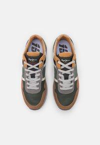Pepe Jeans - X20 BASIC - Sneakers - cognac - 3