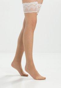 Falke - DELUXE 8 DEN - Overknee-strømper - nude - 1