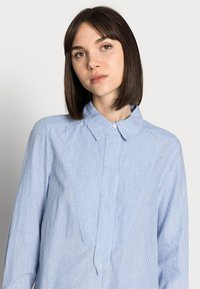 DAY Birger et Mikkelsen - DAY WIND - Button-down blouse - persian jewel - 3