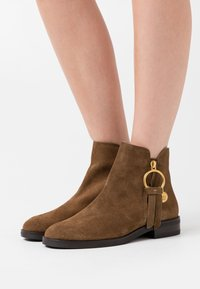 See by Chloé - Ankle boot - terra - 0