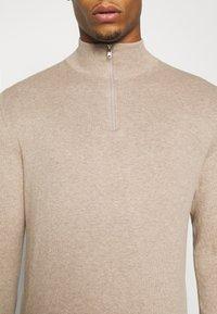 Burton Menswear London - CORE HALF ZIP - Trui - ecru - 5