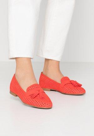 Scarpe senza lacci - flame