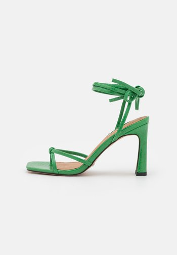 RALLY MID ANKLE TIE - Sandales - green