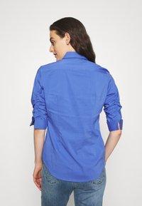 Steffen Schraut - LIZA ESSENTIAL BLOUSE - Button-down blouse - lavender - 2