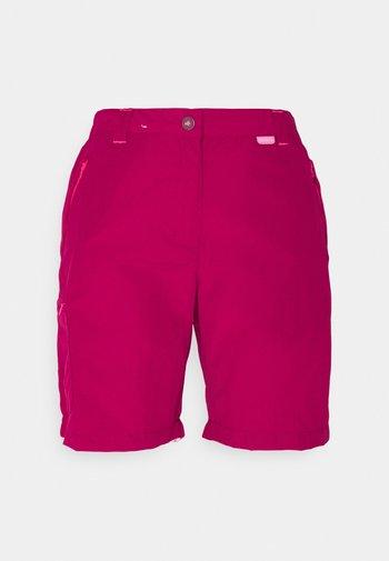 CHASKA SHORT - Shorts - dark cerise