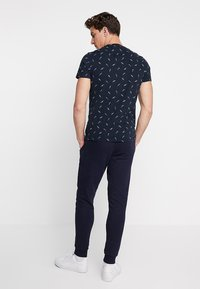 Superdry - COLLECTIVE JOGGER - Trainingsbroek - box navy - 2