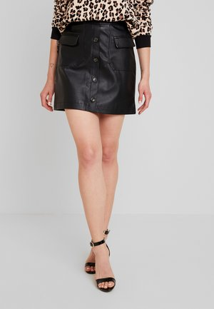 VMEDA COATED SHORT SKIRT - Áčková sukně - black