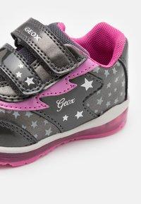 Geox - TODO GIRL - Zapatillas - dark grey - 5
