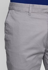 Scotch & Soda - STUART CLASSIC SLIM FIT - Chinos - grey - 3