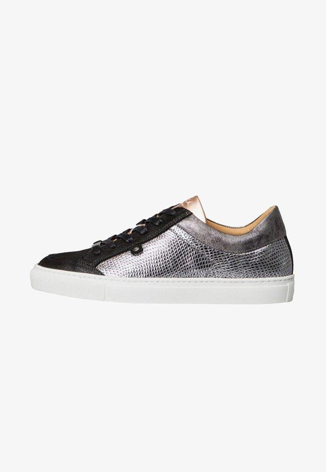GABRIELLE - Sneakers laag - silver