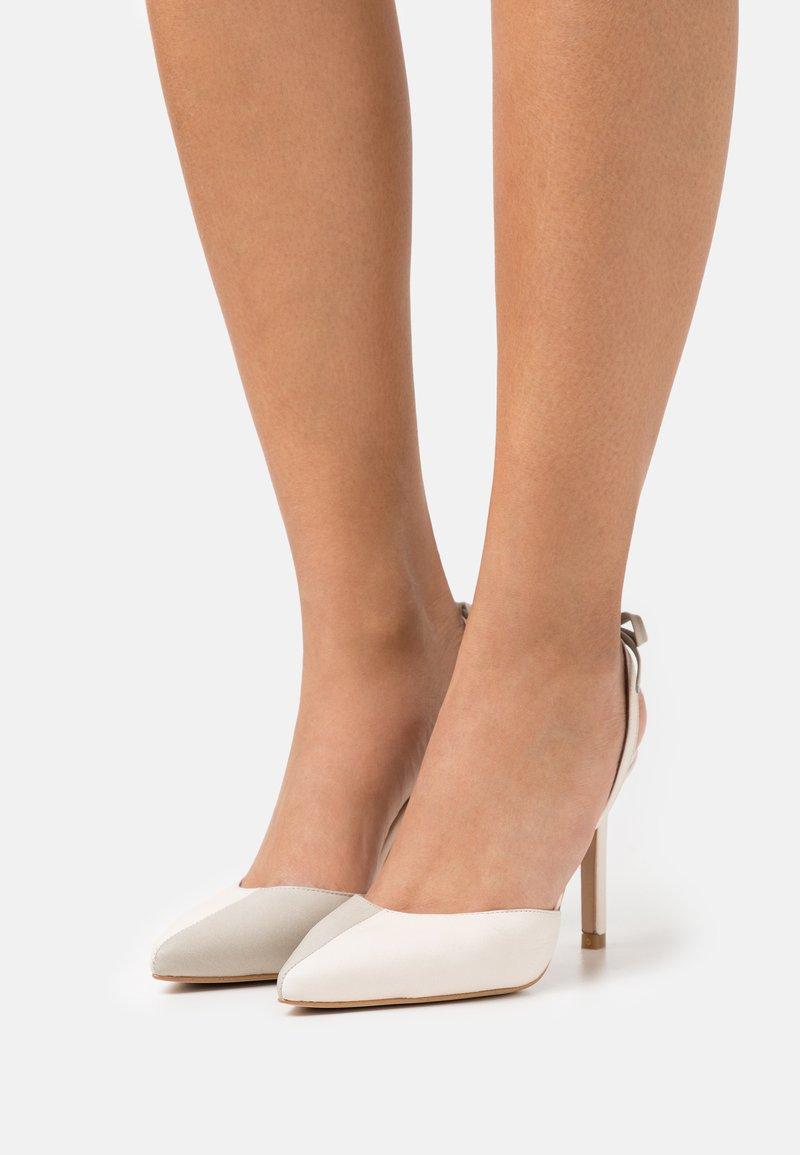 ALOHAS - JAIMA - Classic heels - offwhite