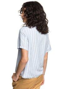 Quiksilver - Button-down blouse - zen blue linen stripe - 2