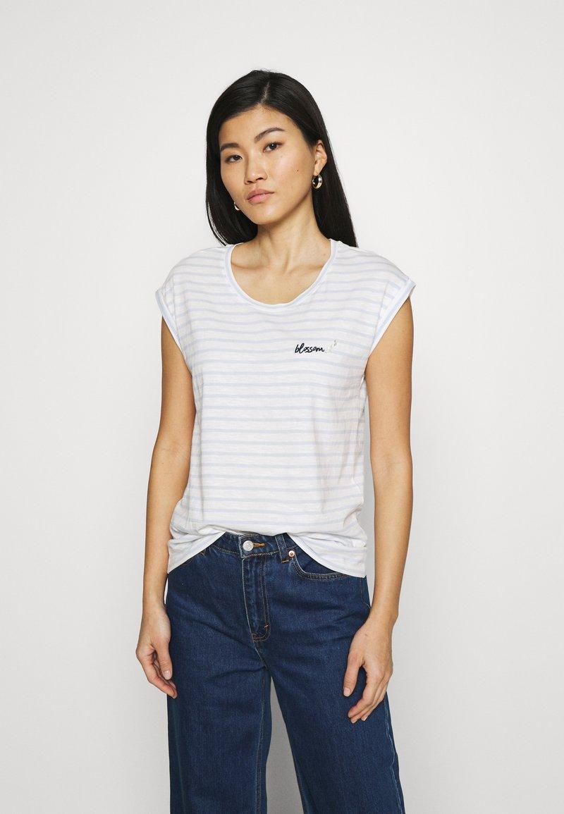 Esprit - TEE - Print T-shirt - pastel blue