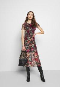 Desigual - VEST CALGARY - Shirt dress - marron - 1