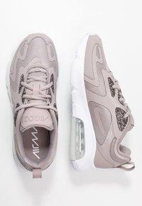Nike Sportswear - AIR MAX 200 SE - Sneakers - pumice/white - 3