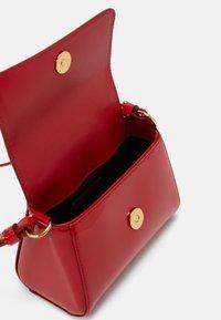 Versace - BORSA TOTE MEDUSA RASO  - Across body bag - passion/oro - 2