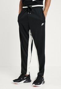 Nike Sportswear - AIR PANT - Træningsbukser - black/sail - 0