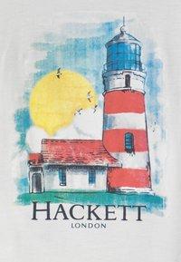 Hackett London - LIGHT HOUSE - Triko spotiskem - white - 2