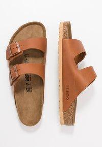 Birkenstock - ARIZONA - Domácí obuv - antique pull cognac - 1