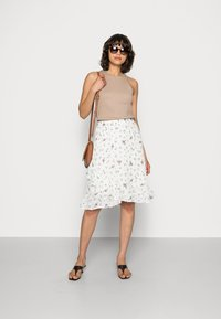 Moss Copenhagen - EVA RIKKELIE SKIRT  - A-line skirt - egret - 1