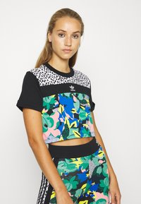 adidas Originals - CROPPED TEE - T-shirt print - multi coloured - 0