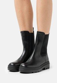Claudie Pierlot - ALEGRIA - Platform ankle boots - noir - 0