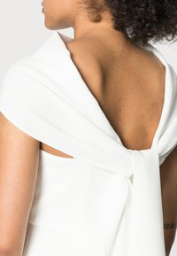 Adrianna Papell - CREPE TIE BACK SHEATH - Cocktail dress / Party dress - ivory - 4